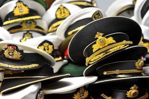 Erste/-r Offizier/-in