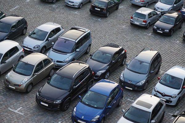 Parkplatzeinweiser/-in